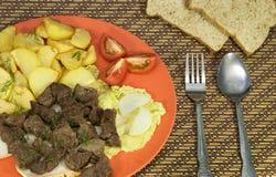 与土豆膳食的牛肉 免版税库存图片