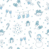 与圣诞树、雪人、姜饼、霍莉莓果等等的冬天无缝的样式 也corel凹道例证向量 皇族释放例证