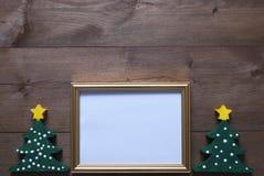 与圣诞树和拷贝空间的画框 免版税库存图片