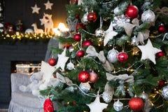 与圣诞树的装饰 库存图片
