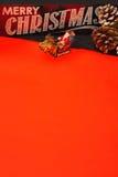 与圣诞老人的垂直的菜单圣诞节信件在红色背景 免版税库存图片