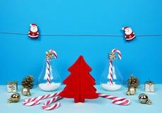 与圣诞老人,装饰圣诞树, gif的圣诞节构成 库存照片