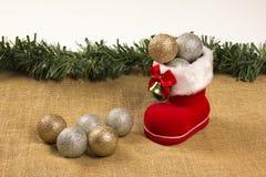 与圣诞老人` s起动和圣诞树球的圣诞节装饰 库存照片