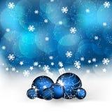 与圣诞节球和装饰的圣诞节背景 免版税库存照片