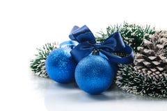 与圣诞节球的圣诞卡 免版税图库摄影