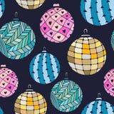 与圣诞节球的无缝的明亮的样式在黑暗的背景 免版税库存图片
