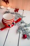 与圣诞节装饰的冷杉分支 库存图片