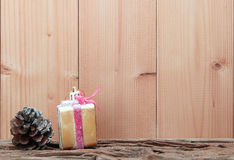 与圣诞节装饰的背景 库存图片