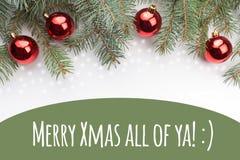 与圣诞节问候`快活的Xmas的圣诞节装饰Ya全部!:` 免版税库存图片