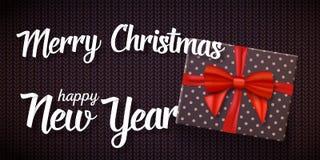 与圣诞节贺卡结婚 有红色丝带的传染媒介现实礼物盒与与圣诞节和新年快乐纸字法结婚 向量例证