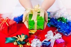 与圣诞节&新年礼物的庆祝题材 免版税库存照片