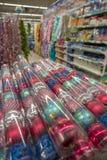 与圣诞装饰的柜台在商店 免版税图库摄影