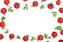 与在与拷贝空间的白色背景隔绝的荷兰芹叶子的樱桃小蕃茄您的文本的 顶视图 平的位置 图库摄影