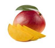 与在白色和3个片断的红色芒果隔绝的叶子 免版税库存图片