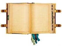 与在白色查出的空的页的葡萄酒书 免版税库存图片