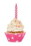 与在白色隔绝的一个蜡烛的生日杯形蛋糕 库存图片