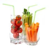 与新鲜蔬菜的玻璃 库存图片