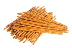与在白色隔绝的盐的酥脆麦子秸杆 免版税库存图片