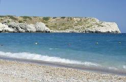 与地中海的海岸线的天蓝色的海景 免版税库存照片