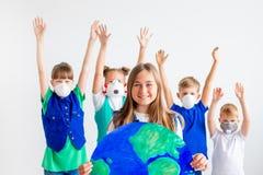 与地球的孩子 库存图片