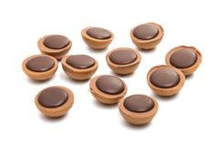 与坚果的块菌状巧克力 免版税图库摄影