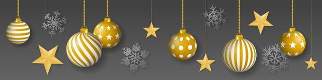 与垂悬的金子的无缝的冬天传染媒介上色了装饰的圣诞节装饰品、金黄星和雪花在灰色背景 皇族释放例证