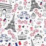 与埃佛尔铁塔、凯旋门和逗人喜爱的乱画的巴黎无缝的样式 在全国颜色的传染媒介背景 库存例证