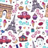 与埃佛尔铁塔、凯旋门和逗人喜爱的乱画的巴黎无缝的样式 库存例证