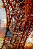 与埃佛尔铁塔13的生锈的背景 免版税库存照片