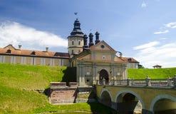 与城堡桥梁的古老城堡 图库摄影