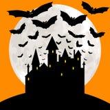 与城堡的万圣夜卡片 免版税库存照片