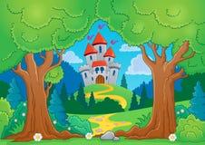与城堡1的树题材 图库摄影