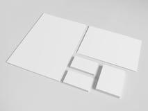 与堆的空白的名片纸和 库存照片