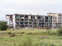 与堆的被毁坏的大厦残骸 库存照片