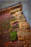 与堡垒墙壁细节的老照片  免版税库存图片