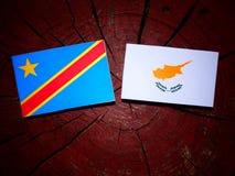 与塞浦路斯的旗子的刚果民主共和国旗子在tre 库存照片