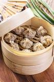 与填装的中国饺子 免版税库存图片