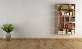 与墙壁书橱的空的内部 图库摄影