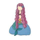 与壳的美丽的小的美人鱼 库存图片