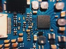 与处理器的电子线路板,关闭 免版税库存图片