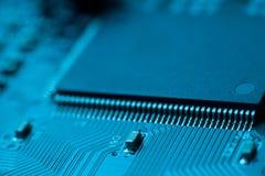 与处理器的电子线路董事会 免版税库存图片