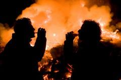 与复活节的篝火 图库摄影