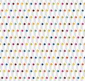 与多色菱形的白色无缝的样式 免版税库存照片