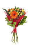 与大丁草和一朵玫瑰的明亮的花束在白色背景 库存照片