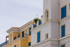与大厦和他们的元素的都市风景 免版税库存照片