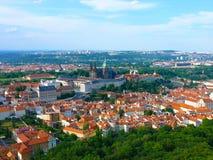 与大教堂st Vitus,瓦茨拉夫和st Adalbert大教堂,布拉格,捷克共和国的布拉格城堡 免版税库存照片