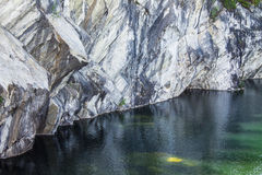 与大理石猎物的风景在ruskeala 图库摄影