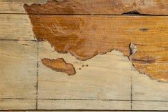 与大裂缝的老木纹理减速火箭的 免版税库存照片