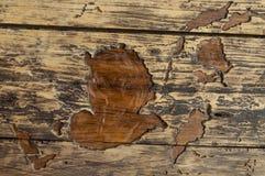 与大裂缝的老木纹理减速火箭的 免版税库存图片