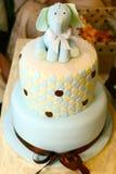 与大象形象的庆祝蛋糕 免版税库存照片